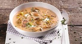 houbová polévka s nočky