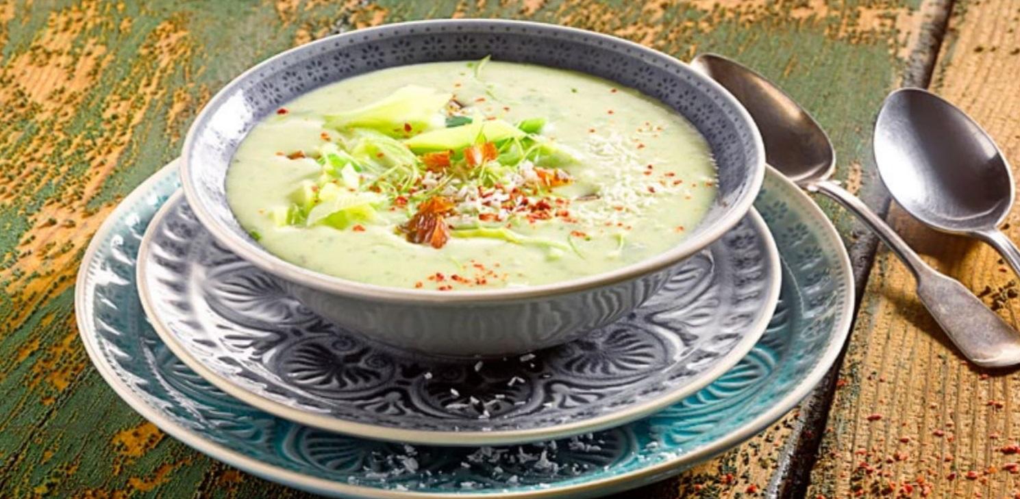 Pórková polévka s kokosem
