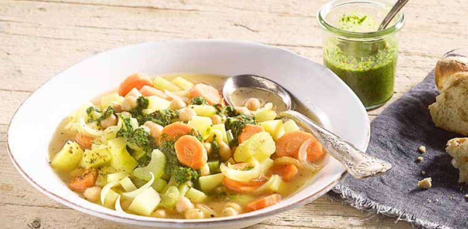 Vydatná bramborová polévka s cizrnou